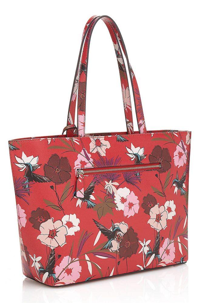4d9767639a Le cabas à fleurs BRITTA, le cabas LADY LUXE en cuir et le sac à main  AGNES. À retrouver dans votre boutique GUESS Accessoires à Colmar.
